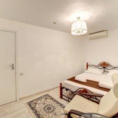 Гостиница Статус 3* Люкс двуспальная кровать