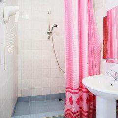 Гостиница Континент 2* Стандартный семейный номер с разными типами кроватей фото 10