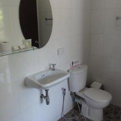 Отель But Different Phuket Guesthouse 3* Стандартный номер с различными типами кроватей фото 9
