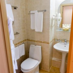 Гостиница Аструс - Центральный Дом Туриста, Москва 4* Семейная студия с разными типами кроватей фото 5