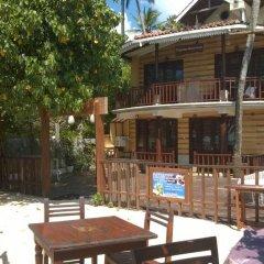 Отель Thaproban Beach House питание