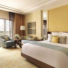 Отель The Ritz-Carlton, Dubai Улучшенный номер с различными типами кроватей фото 6
