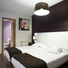 THC Gran Via Hostel Стандартный номер с 2 отдельными кроватями