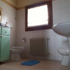 Отель Agriturismo Al Colle Del Ciliegio Италия, Региональный парк Colli Euganei - отзывы, цены и фото номеров - забронировать отель Agriturismo Al Colle Del Ciliegio онлайн ванная