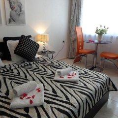 Отель Zoya Apartment Болгария, Бургас - отзывы, цены и фото номеров - забронировать отель Zoya Apartment онлайн комната для гостей фото 5