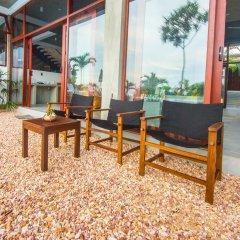 Отель Amba Ayurveda Boutique Hotel Шри-Ланка, Пляж Golden Mile - отзывы, цены и фото номеров - забронировать отель Amba Ayurveda Boutique Hotel онлайн интерьер отеля