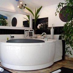 Отель Le Mas de la Treille Bed & Breakfast 3* Коттедж Делюкс с различными типами кроватей фото 4