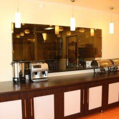 Гостиница Пионер Люкс в Саратове 8 отзывов об отеле, цены и фото номеров - забронировать гостиницу Пионер Люкс онлайн Саратов гостиничный бар