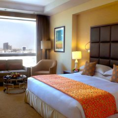 Отель Swissotel Al Ghurair Dubai Номер Делюкс фото 3