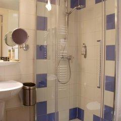 Отель Hôtel Le Richemont 3* Стандартный номер с двуспальной кроватью фото 5