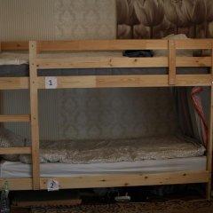 Hostel Na Kakhovke Кровать в мужском общем номере с двухъярусными кроватями
