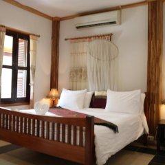 Отель Villa Oasis Luang Prabang 3* Улучшенный номер с двуспальной кроватью фото 4