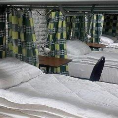 DimAL Hostel Almaty Кровать в мужском общем номере двухъярусные кровати фото 7