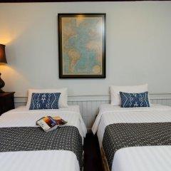 Отель Cafe de Laos Inn 3* Улучшенный номер с двуспальной кроватью фото 4