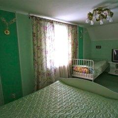 Гостевой дом Helen's Home Номер категории Эконом с 2 отдельными кроватями (общая ванная комната)
