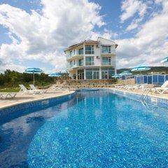 Nushev Hotel бассейн фото 3