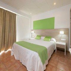 Отель Hostal Adelino Улучшенный номер с различными типами кроватей фото 5