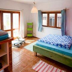 Отель H2s комната для гостей