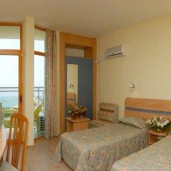 Hotel PrimaSol Sunrise - Все включено 4* Стандартный семейный номер с двуспальной кроватью фото 4