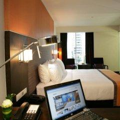 Отель Radisson Suites Bangkok Sukhumvit Бангкок комната для гостей