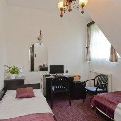 Budai Hotel 3* Стандартный номер с 2 отдельными кроватями фото 5