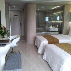 The Pattaya Discovery Beach Hotel Pattaya 4* Улучшенный номер с двуспальной кроватью