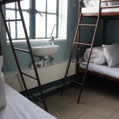 Отель Restup London Кровать в общем номере фото 36
