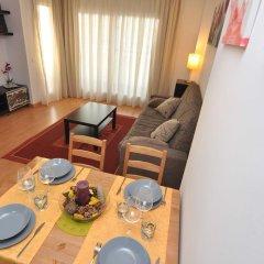 Отель Apartamentos Porto Mar Испания, Курорт Росес - отзывы, цены и фото номеров - забронировать отель Apartamentos Porto Mar онлайн комната для гостей фото 3
