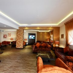 Отель Atwaf Suites интерьер отеля