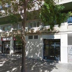 Отель Fira Guest House парковка