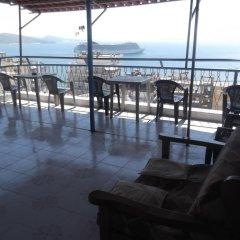 Отель Hostel Gjika Албания, Саранда - отзывы, цены и фото номеров - забронировать отель Hostel Gjika онлайн гостиничный бар