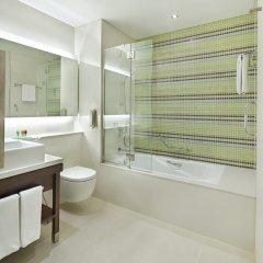 Отель Hyatt Place Dubai Baniyas Square Улучшенный номер с различными типами кроватей фото 2