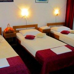 Hotel N 3* Номер с общей ванной комнатой с различными типами кроватей (общая ванная комната)
