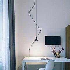 Отель Golden Crown 4* Улучшенный номер с двуспальной кроватью фото 32