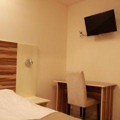 Arkadia Hotel & Hostel Стандартный семейный номер с двуспальной кроватью фото 4