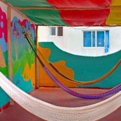 Отель Tres Mundos Hostel Мексика, Плая-дель-Кармен - отзывы, цены и фото номеров - забронировать отель Tres Mundos Hostel онлайн балкон