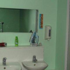 Отель Hostel 10 Литва, Каунас - отзывы, цены и фото номеров - забронировать отель Hostel 10 онлайн ванная