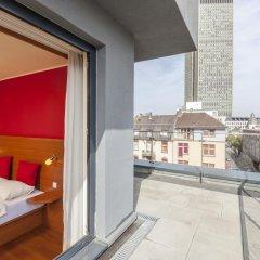 Star Inn Hotel Frankfurt Centrum, by Comfort 3* Стандартный семейный номер с двуспальной кроватью фото 3