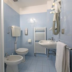 Hotel Stella Alpina Фай-делла-Паганелла ванная фото 2