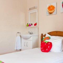Отель Strawberry Fields 3* Стандартный номер с различными типами кроватей (общая ванная комната) фото 4