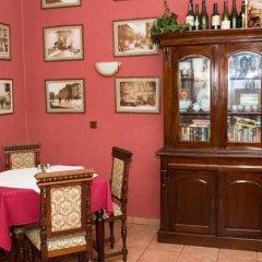 Отель Penzion a Restaurace Stará Roudná Чехия, Пльзень - отзывы, цены и фото номеров - забронировать отель Penzion a Restaurace Stará Roudná онлайн питание