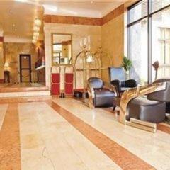 Апартаменты Bolton White Hotels and Apartments интерьер отеля