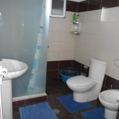 Отель Villa M Cako Албания, Ксамил - отзывы, цены и фото номеров - забронировать отель Villa M Cako онлайн ванная фото 2