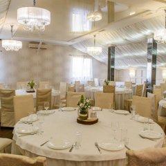 Гостиница Княжий двор Украина, Рясное-Русское - 1 отзыв об отеле, цены и фото номеров - забронировать гостиницу Княжий двор онлайн питание