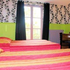 Отель Hôtel Absolute Paris République 2* Стандартный семейный номер с двуспальной кроватью