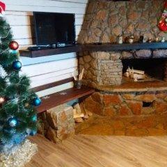 Гостиница Chalet with Fireplace for Family Vacation интерьер отеля фото 2
