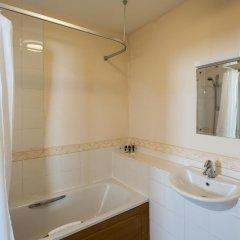 Mercure Newbury West Grange Hotel 3* Стандартный номер с различными типами кроватей фото 3
