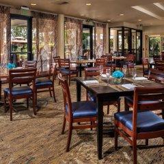 Отель DoubleTree by Hilton Carson питание фото 2