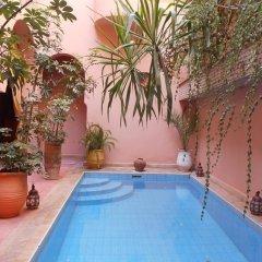 Отель Riad Azenzer бассейн фото 3
