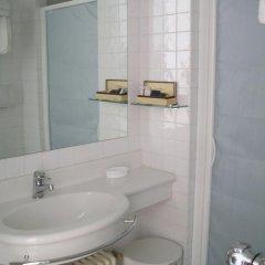 Hotel Luxor 4* Стандартный номер с двуспальной кроватью